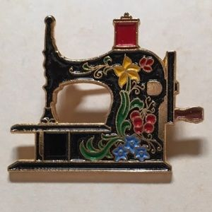 Jewelry - Vtg sewing machine toy pin Clotilde